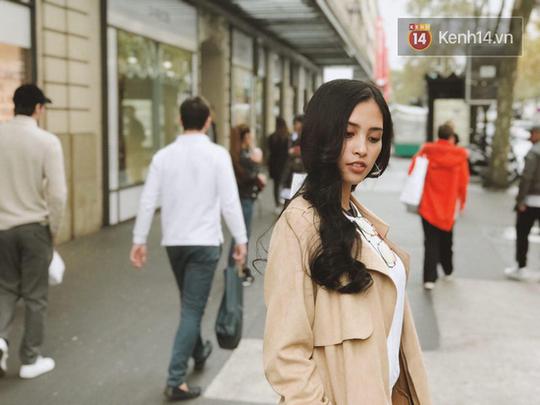 Hoa hậu Tiểu Vy mặt mộc dạo phố Paris - Ảnh 10.