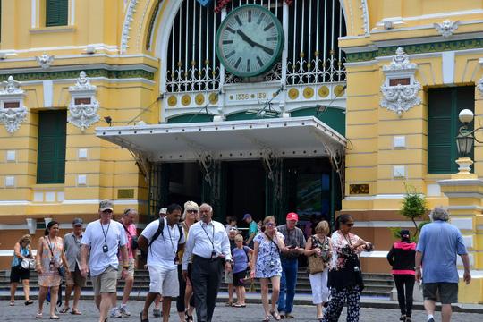 Du lịch vào mùa cao điểm khách quốc tế