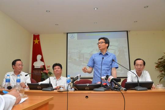 Phó Thủ tướng thị sát bệnh nhi tay chân miệng tại Bệnh viện Nhi Đồng 1 - Ảnh 4.