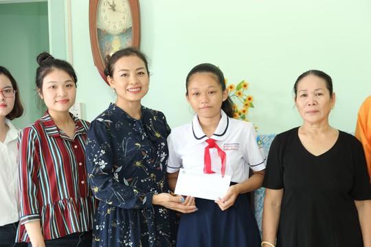 VWS tặng nhà tình thương cho nạn nhân chất độc da cam - Ảnh 3.