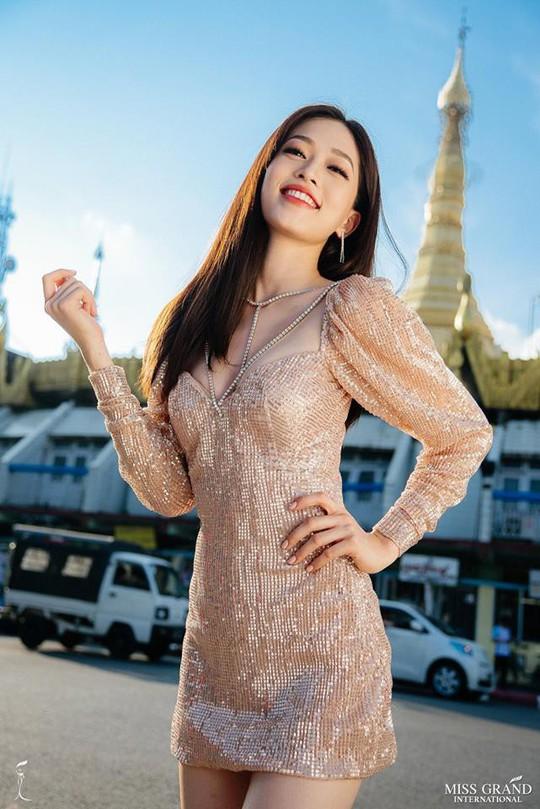 Á hậu Phương Nga dẫn đầu bình chọn tại Miss Grand International 2018 - Ảnh 1.
