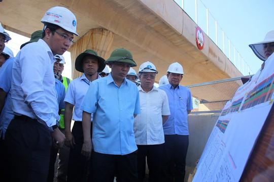 Hé lộ vi phạm ở tuyến cao tốc Đà Nẵng - Quảng Ngãi - Ảnh 1.