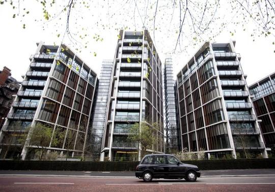 Căn penthouse 2 tầng đắt giá nhất tại Anh - Ảnh 1.