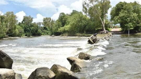 Úc: Đang đi câu cá, người phụ nữ bị cá sấu tha đi - ảnh 2