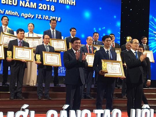 Tôn vinh 100 doanh nhân, doanh nghiệp TP HCM - Ảnh 1.