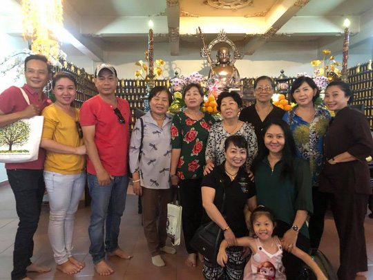 Giỗ đầu danh ca Út Bạch Lan, nghệ sĩ tề tựu tưởng nhớ sầu nữ - Ảnh 2.