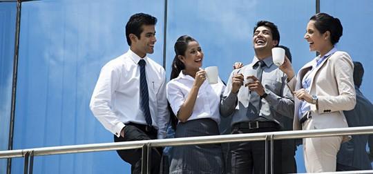 6 kiểu người khó ưa thường gặp ở chốn công sở - Ảnh 2.