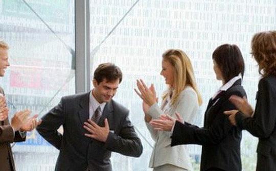 6 kiểu người khó ưa thường gặp ở chốn công sở - Ảnh 1.