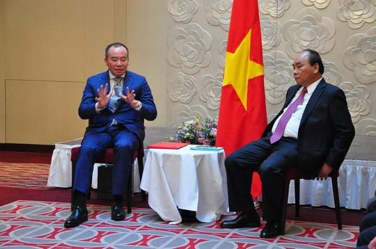 Được Thủ tướng tiếp, Chủ tịch Tập đoàn Tân Việt, Ba Lan nói xe Vinfast ra là Vifon mua ngay - Ảnh 1.