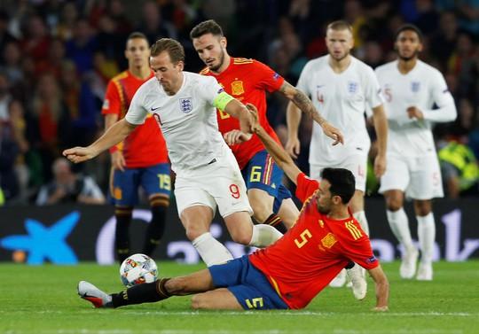 Ngược dòng bất thành, Tây Ban Nha thua sốc Tam sư Anh - Ảnh 2.