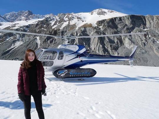 Nữ tiếp viên hàng không gốc Hoa bị chụp trộm gây sốt mạng xã hội - Ảnh 10.