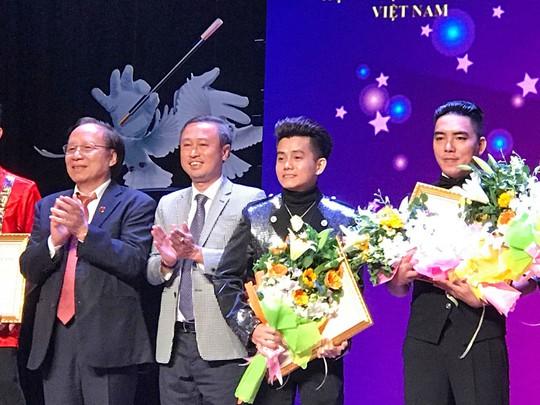 5 ảo thuật gia đoạt HCV tại Liên hoan ảo thuật toàn quốc lần III - 2018 - Ảnh 1.