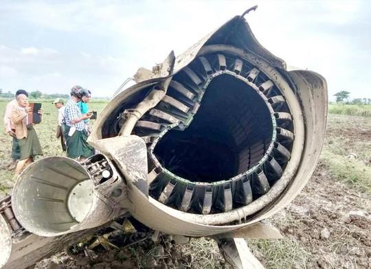 Myanmar: Rơi 2 chiến đấu cơ Trung Quốc sản xuất, 3 người chết - Ảnh 2.
