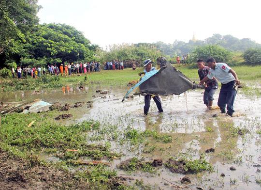 Myanmar: Rơi 2 chiến đấu cơ Trung Quốc sản xuất, 3 người chết - Ảnh 4.