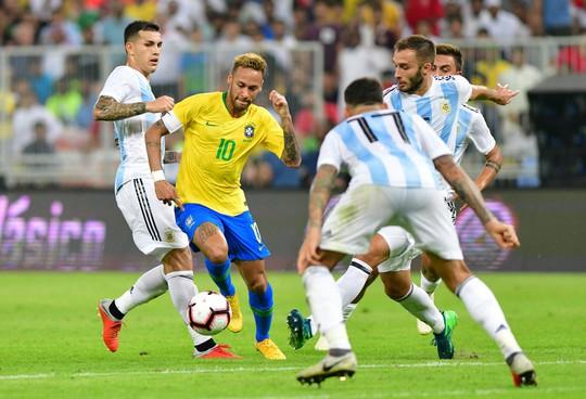 Brazil thắng nghẹt thở Argentina, đoạt cúp Super Clasico - Ảnh 3.