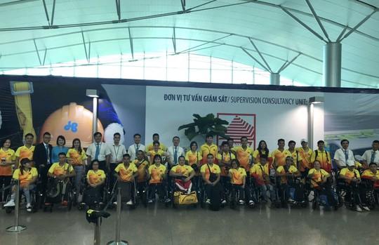Vietnam Airlines dành thủ tục đặc biệt cho đoàn thể thao dự Asian Para Games 3 - Ảnh 1.