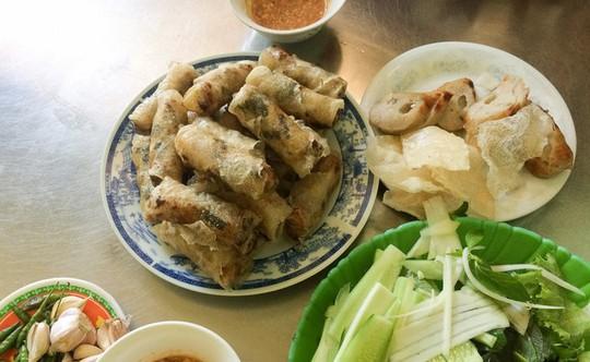 Chả dông: Đặc sản Phú Yên nghe thì sợ, ăn lại ghiền - Ảnh 3.