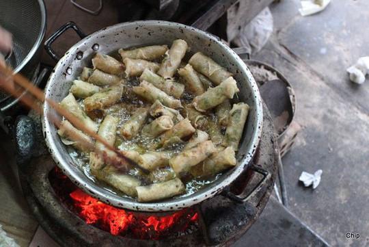 Chả dông: Đặc sản Phú Yên nghe thì sợ, ăn lại ghiền - Ảnh 5.