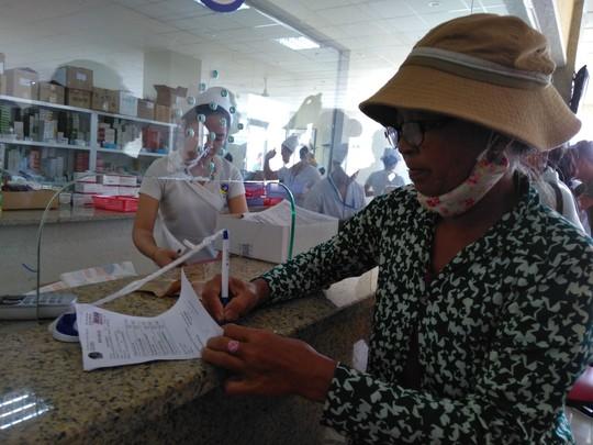Lần đầu tiên VN dùng ca nô cấp cứu người bệnh - Ảnh 2.