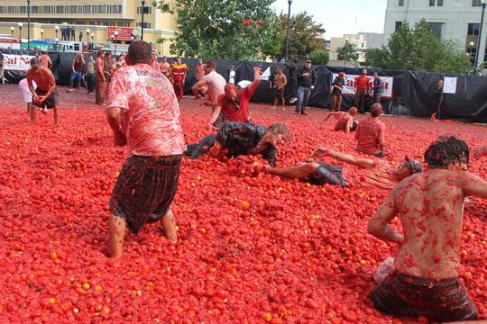 Lễ hội cà chua nhuộm đỏ Tây Ban Nha có gì thú vị? - Ảnh 4.