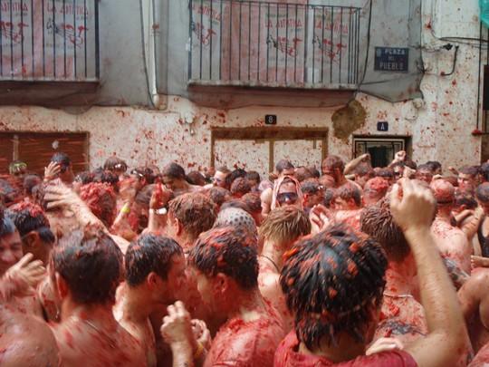 Lễ hội cà chua nhuộm đỏ Tây Ban Nha có gì thú vị? - Ảnh 6.