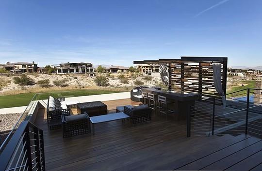 Ngôi nhà tuyệt đẹp giữa mênh mông biển cát - Ảnh 9.