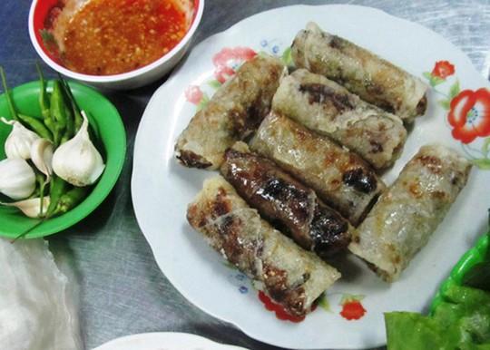 Chả dông: Đặc sản Phú Yên nghe thì sợ, ăn lại ghiền - Ảnh 1.
