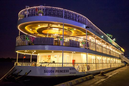 Khám phá du thuyền Saigon Princess trên sông Sài Gòn - Ảnh 1.