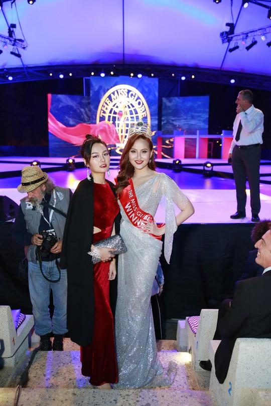 Khánh Ngân lên tiếng về sự cố không được trao vương miện trong Đêm chung kết Miss Globe 2018 - Ảnh 3.