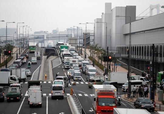 Vì sao chợ cá lớn nhất thế giới ở Nhật gây tranh cãi khi dời địa điểm? - Ảnh 3.