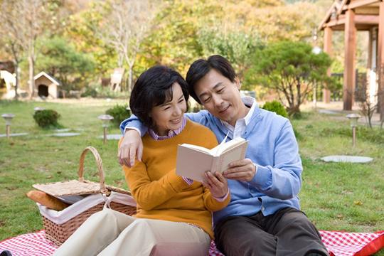 Phải chăng sau 40 tuổi người ta mới thực sự là vợ chồng? - Ảnh 3.