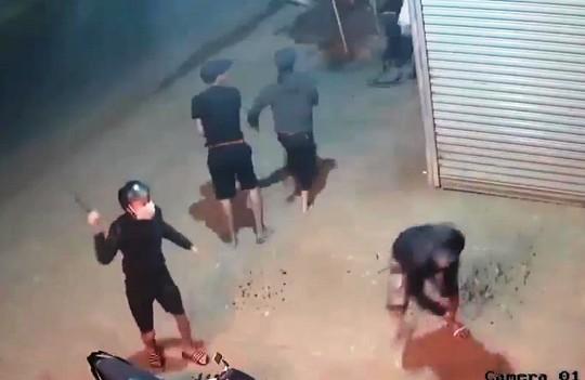 Hỗn chiến kinh hoàng, nhiều người trọng thương ở Lâm Đồng - Ảnh 2.