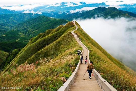 Vạn Lý Trường Thành phiên bản Việt gần 2.000 bậc ở Quảng Ninh - Ảnh 2.