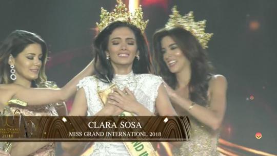 Tân Hoa hậu Hòa bình Quốc tế ngất xỉu trên sân khấu - Ảnh 3.