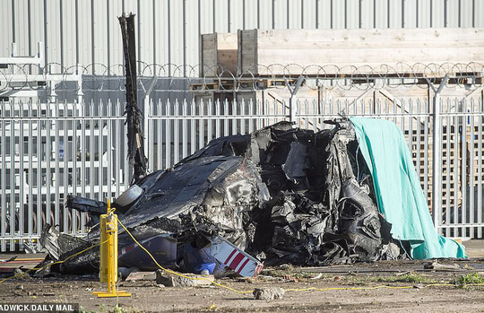 Tỉ phú Vichai gặp nạn trên chuyến bay định mệnh ở sân Leicester - Ảnh 3.