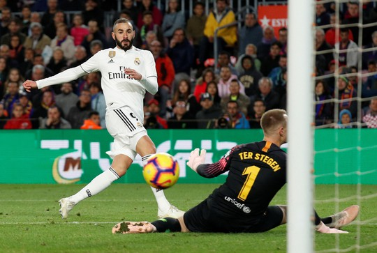 Hat-trick Suarez nhấn chìm Real Madrid ở El Clasico - Ảnh 6.