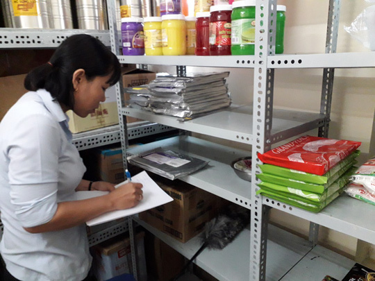 Vụ ngộ độc tập thể ở Tân Phú: Nghi do món chà bông? - Ảnh 1.