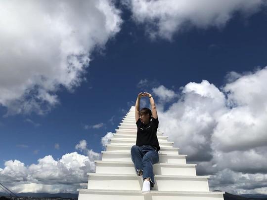 Ba nấc thang lên thiên đường cho giới trẻ sống ảo ở Việt Nam - Ảnh 1.