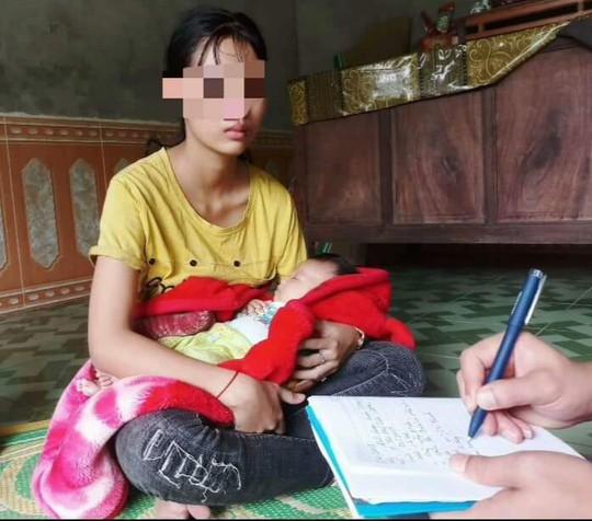 Mẹ trẻ 16 tuổi đăng Facebook cầu cứu vì bị chồng liên tục bạo hành - Ảnh 1.