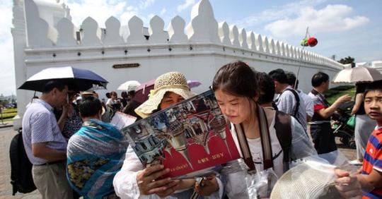 """Thái Lan như """"ngồi trên lửa"""" vì lượng du khách Trung Quốc sụt mạnh - Ảnh 1."""