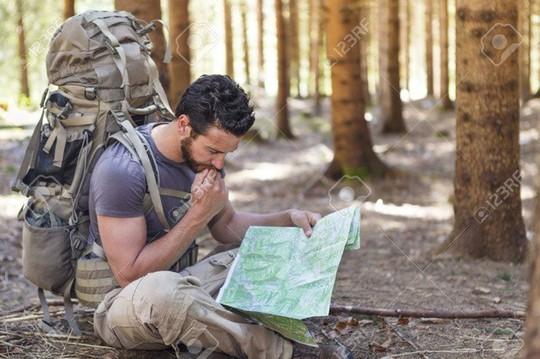 Mẹo sinh tồn ai cũng nên biết nếu bị lạc trong rừng - Ảnh 2.