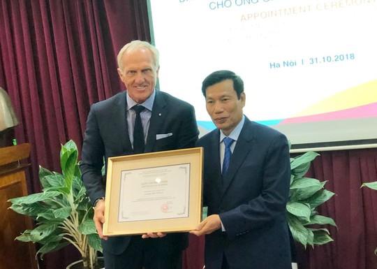 Huyền thoại golf Grey Norman trở thành Đại sứ du lịch Việt Nam - Ảnh 1.