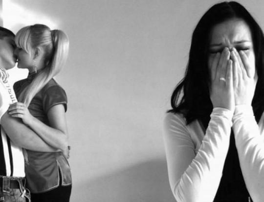 Nước mắt ân hận của người thứ 3 - Ảnh 1.