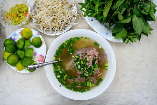 Những điều du khách Tây tưởng và thực tế khi tới Việt Nam - Ảnh 1.
