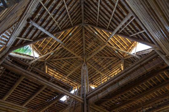 Ngôi nhà tre Việt 50 triệu giành giải thưởng thiết kế của Đức - Ảnh 3.