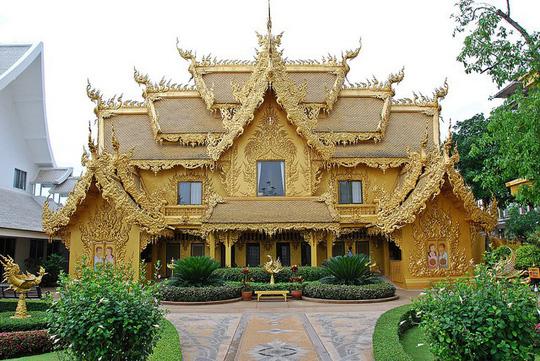 Ngỡ ngàng nhà vệ sinh có kiến trúc cầu kỳ như cung điện - Ảnh 9.