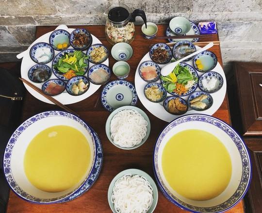 Điểm danh những món dễ ăn, thu hút du khách ở Lệ Giang - Ảnh 2.