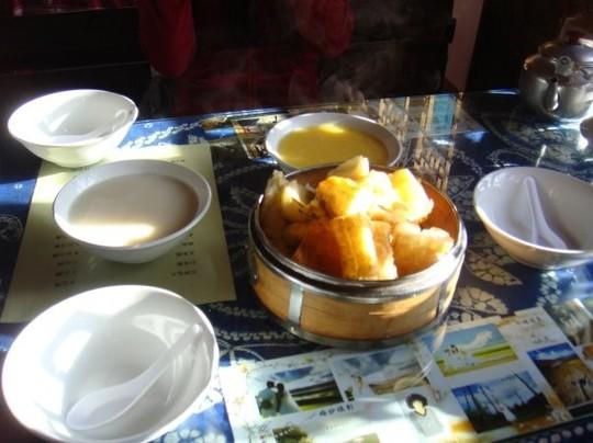 Điểm danh những món dễ ăn, thu hút du khách ở Lệ Giang - Ảnh 7.