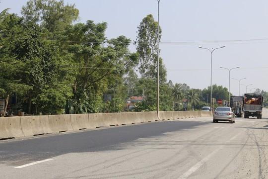 Cận cảnh vá víu quốc lộ ngàn tỉ ở Quảng Nam - Ảnh 10.