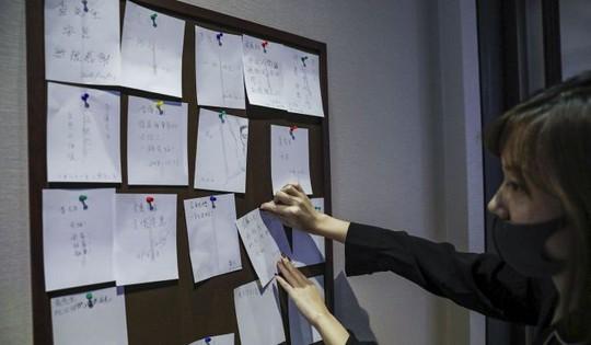 Tang lễ nhà văn Kim Dung được tổ chức riêng tư theo di chúc - Ảnh 4.